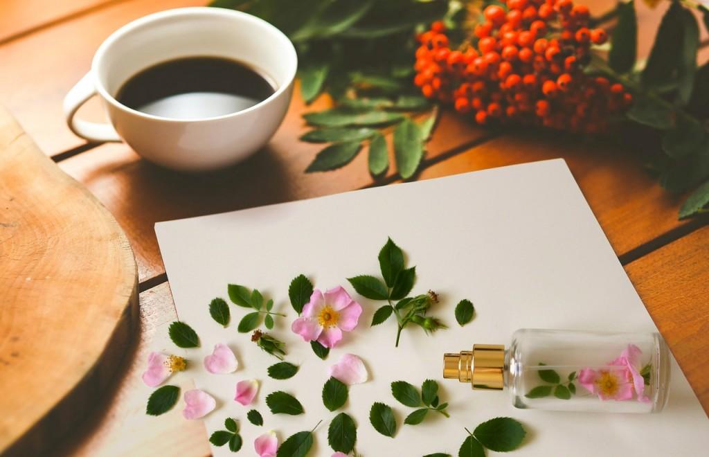 morning-perfumebottle